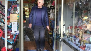 john lithgow toys beverly hills