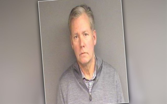 To Catch a Predator' Host Chris Hansen Charged With Bouncing Checks pp