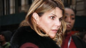Inside Lori Loughlin's Shocking Breakdown!