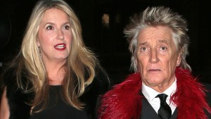 Rod Stewart's Wife Leaves With The Kids