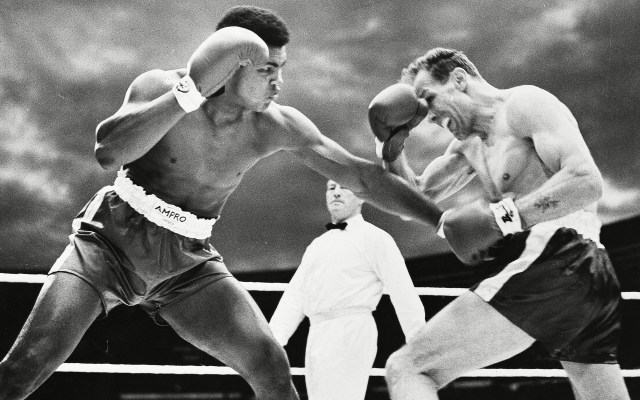 Muhammad Ali V Henry Cooper In A Non-title Fight At Wembley Stadium In 1963.